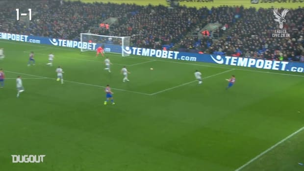 Zaha rounds off slick team move against Everton