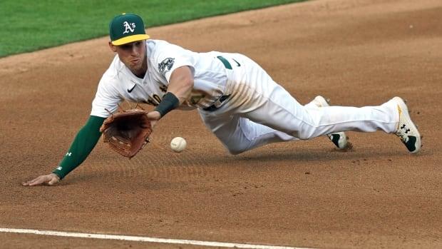 Jake Lamb, diving stop at third base