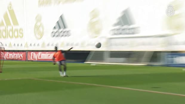 Shots on goal, possession and passing in Real Madrid training session.