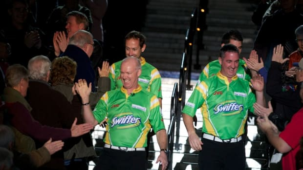 Team Howard is greeted by fans at the Casino Rama Entertainment Centre