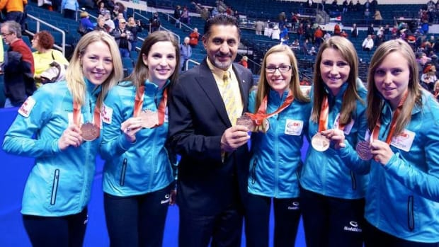 Team Homan (with Sec/State for Sport Bal Gosal) finished third at the Roar of The Rings