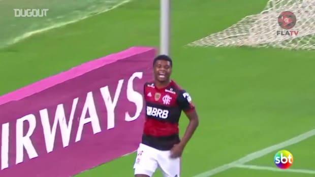 Flamengo beat  Independiente del Valle at Maracanã