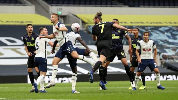 Newcastle-Tottenham-Dier-Handball