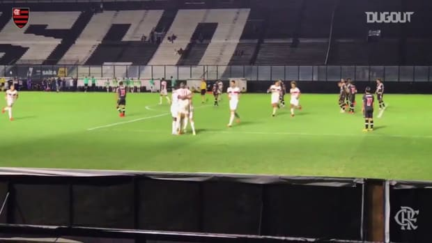 Flamengo beat Vasco at São Januário
