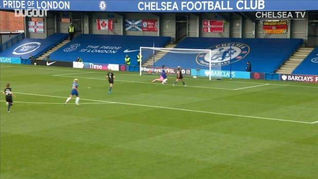 Sam Kerr finishes off slick team move vs Manchester City