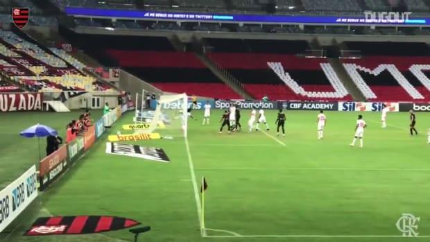Flamengo draw against Bragantino at Maracanã