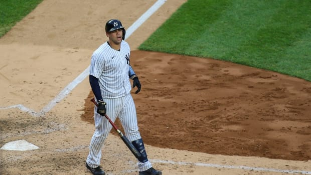 Gary Sanchez gets out at Yankee Stadium