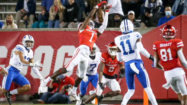 Oct 16, 2020; Houston, Texas, USA; Houston Cougars wide receiver Bryson Smith (1) makes a reception during the third quarter against the Brigham Young Cougars at TDECU Stadium.