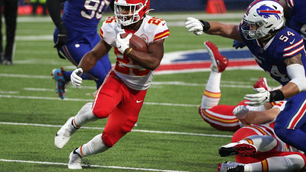 Clyde Edwards-Helaire ran for 161 yards on 26 carries in the Kansas City Chiefs' 26-17 victory over the Buffalo Bills at Bills Stadium on Oct. 19, 2020. Jg 101920 Bills 6