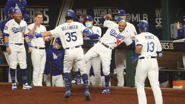 WS Dodgers Win Game 1