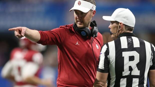 Lincoln Riley-ref point