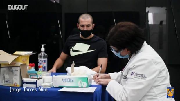 Tigres players donate plasma