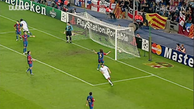 Lampard lobs home from impossible angle to draw with FC Barcelona