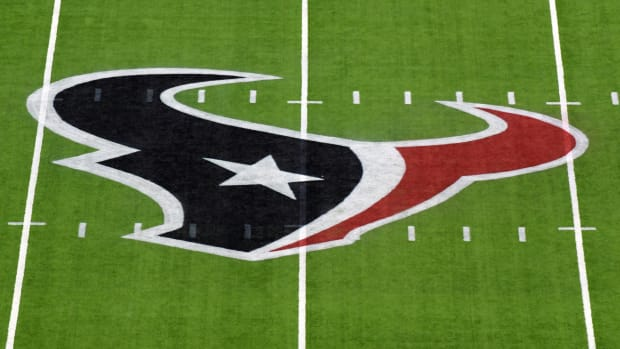 texans-close-facility