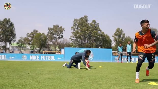Club América's warm-up game in training