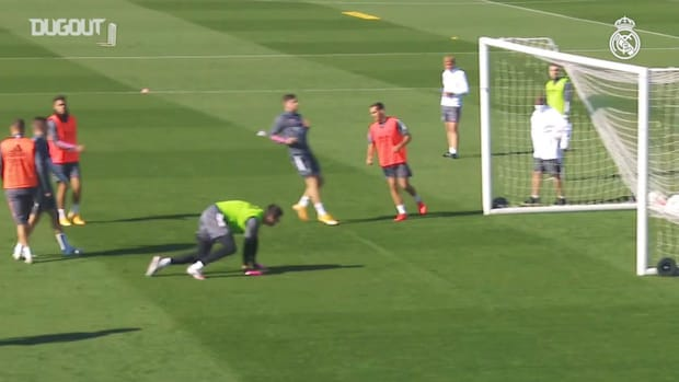 Goals, saves and shooting combinations during training