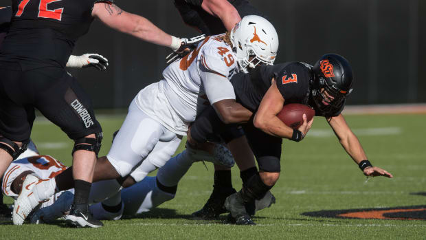 Brett Rojo - Spencer Sanders_Texas_OklahomaState_Oct31_376