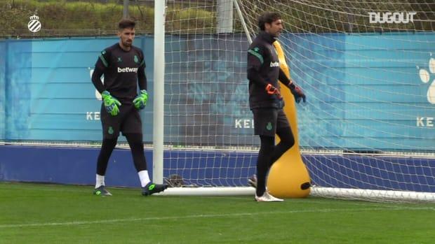 Thomas N'Kono coaches Espanyol's goalkeepers