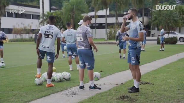 Santos train focused on the game against Red Bull Bragantino