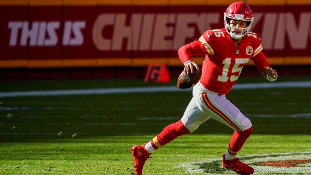 Nov 1, 2020; Kansas City, Missouri, USA; Kansas City Chiefs quarterback Patrick Mahomes (15) against the New York Jets during the second half at Arrowhead Stadium. Mandatory Credit: Jay Biggerstaff-USA TODAY Sports