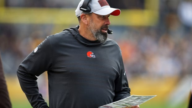 Oct 28, 2018; Pittsburgh, PA, USA; Cleveland Browns offensive coordinator Todd Haley looks on against the Pittsburgh Steelers second quarter at Heinz Field. The Steelers won 33-18. Mandatory Credit: Charles LeClaire-USA TODAY Sports