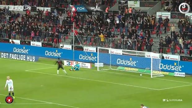 Anders Dreyer's long-range stunner against FC Copenhagen