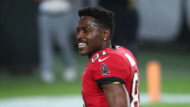 Antonio Brown celebrates after a Bucs win.