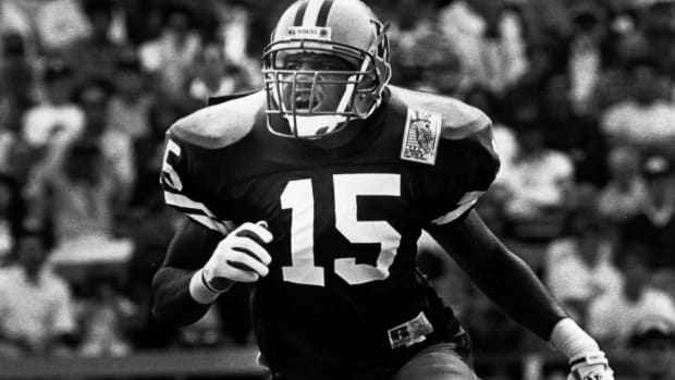 Tommie Smith has the longest interception return in UW history -- without scoring.