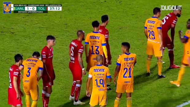 Gignac's record-breaking free-kick goal vs Toluca