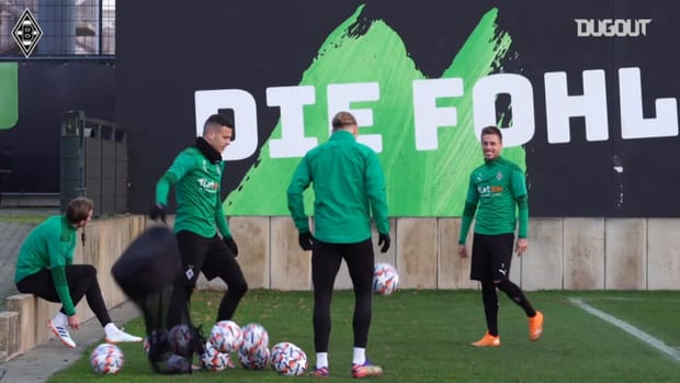 Borussia Mönchengladbach train before facing Shakhtar Donetsk