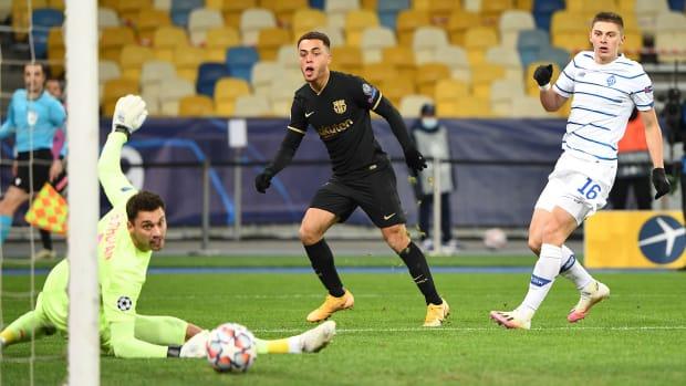 Sergino-Dest-Goal-Barcelona-USMNT-Champions-League