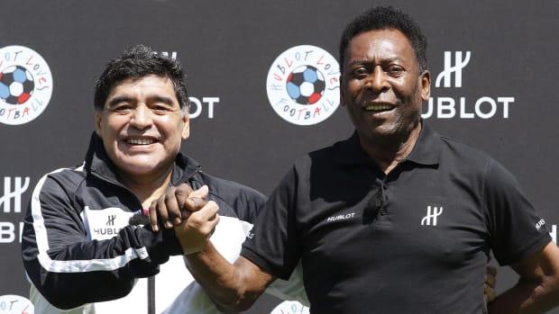 Pele-Maradona-Death-Tribute