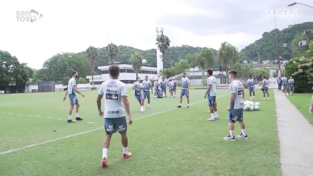 Santos train focused on the game against Sport Recife