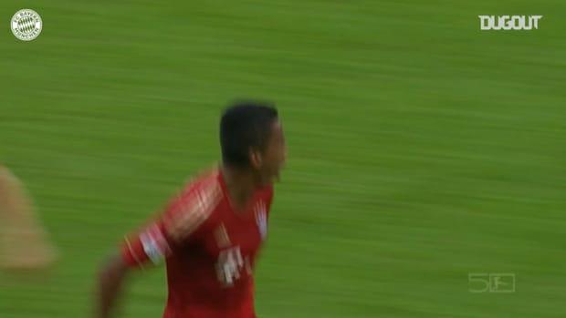 Luis Gustavo hammers home against Stuttgart