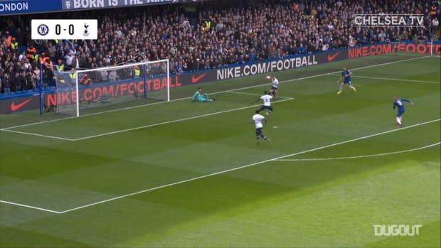 Giroud and Alonson defeat Spurs at Stamford Bridge