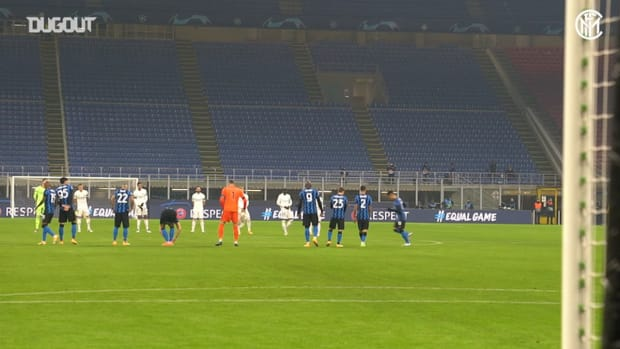 The minute of silence in memory of Maradona in Inter vs Real Madrid