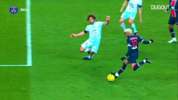 Neymar Jr's superb skills vs Bordeaux in Ligue 1