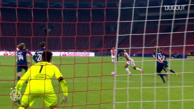 Gravenberch's sensational curling effort helps Ajax beat FC Midtjylland