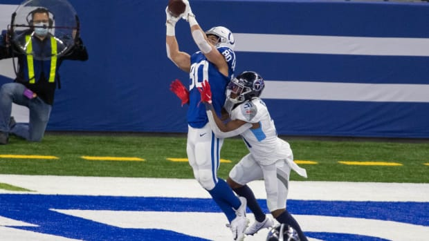 Indianapolis Colts tight end Trey Burton catches a touchdown pass during Sunday's home loss to the Tennessee Titans at Lucas Oil Stadium.