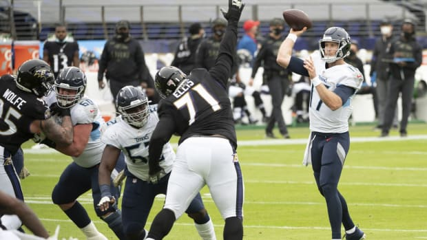 Tennessee Titans quarterback Ryan Tannehill (17) throws during the first quarter against the Baltimore Ravens at M&T Bank Stadium.