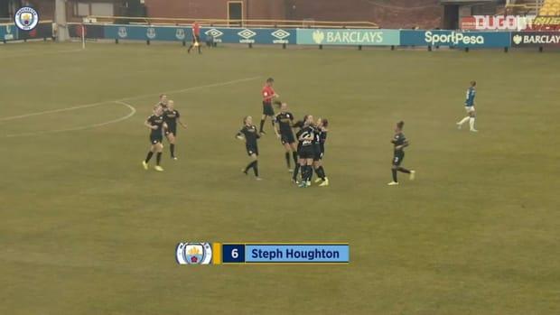 Steph Houghton's free-kick sinks Everton