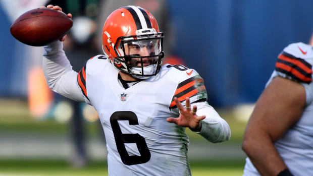 Cleveland Browns quarterback Baker Mayfield (6) throws a pass during the third quarter against the Tennessee Titans at Nissan Stadium Sunday, Dec. 6, 2020 in Nashville, Tenn.