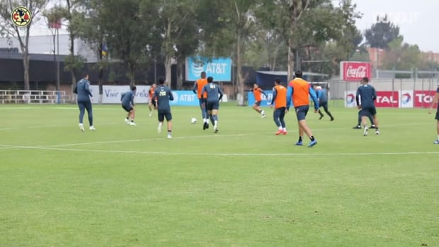 América's training game with three-sided goals