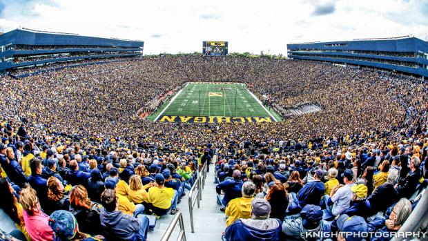 michigan stadium big house fans