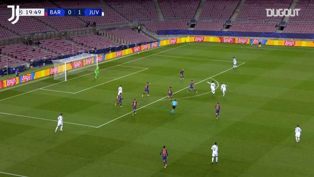 McKennie's incredible goal vs FC Barcelona