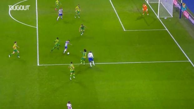 Moussa Marega's great volley vs Tondela