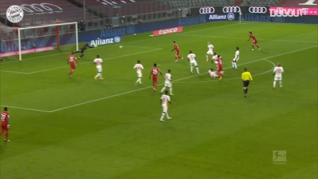 Jamal Musiala's long-range drive vs RB Leipzig