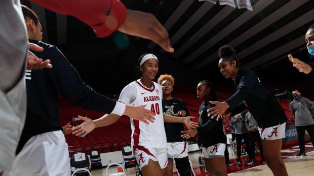 Alabama women's basketball Walker