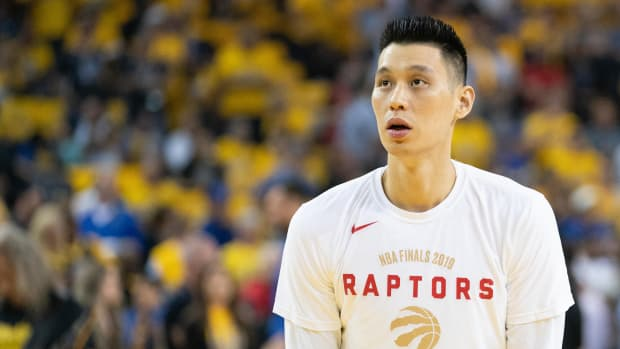 Former Raptor Jeremy Lin is reportedly signing with the Warriors G League team.