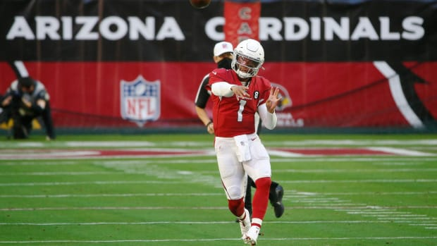 Cardinals' Kyler Murray (1) throws a pass during the first half against the Eagles at State Farm Stadium in Glendale, Ariz. on Dec. 20, 2020.